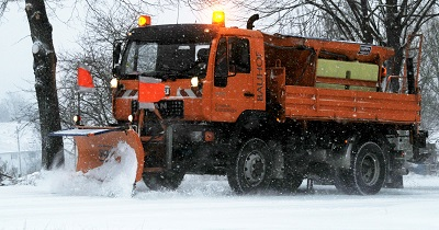 Wikimedia_Commons_Snowplow_in_the_morning_creativecommons400x210